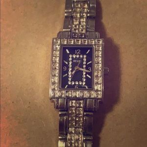 Relic women's watch all silver with crystal bezel